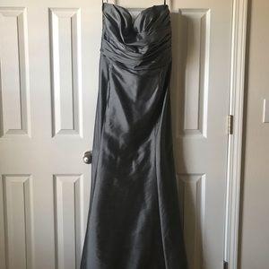WTOO Mermaid-style Bridesmaid Dress